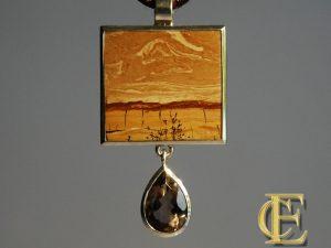 Landschaftsmarmor mit Rauchquarztropfen in Silber aus der Goldschmiede Höfelmaier