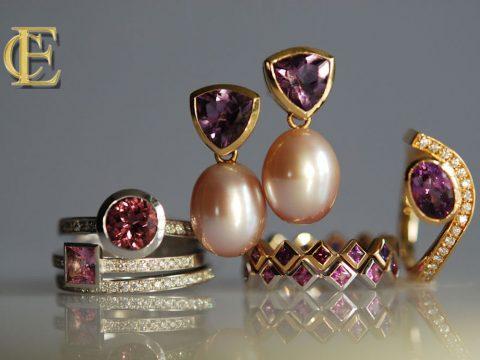 Schmuck mit violetten Edelsteinen aus dem Atelier Eva-Christine Höfelmaier